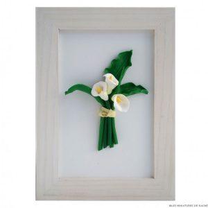 Cadre avec bouquet arum blanc
